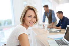 Femme consultante freelance