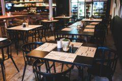 Restaurant vide après le coronavirus